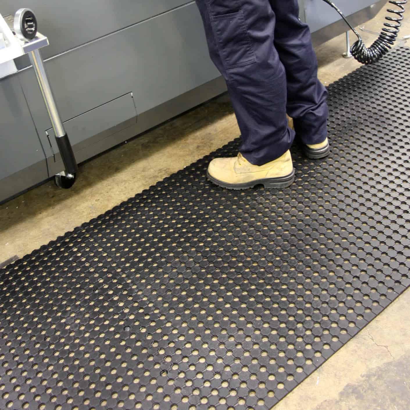Unimat Drainable Rubber Runner Floor Matting